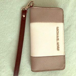 MICHAEL Michael Kors Saffiano Leather Wristlet